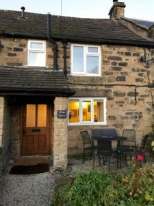 The Warm and Cosy Pine Door Cottage in Eyam, Derbyshire